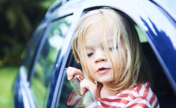 dziecięca roleta do samochodu