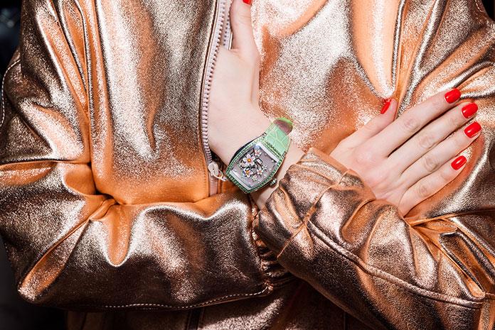 Czy zegarek może pełnić rolę biżuterii